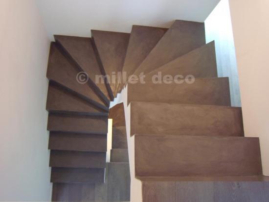 beton cir sur escalier carrel id e. Black Bedroom Furniture Sets. Home Design Ideas