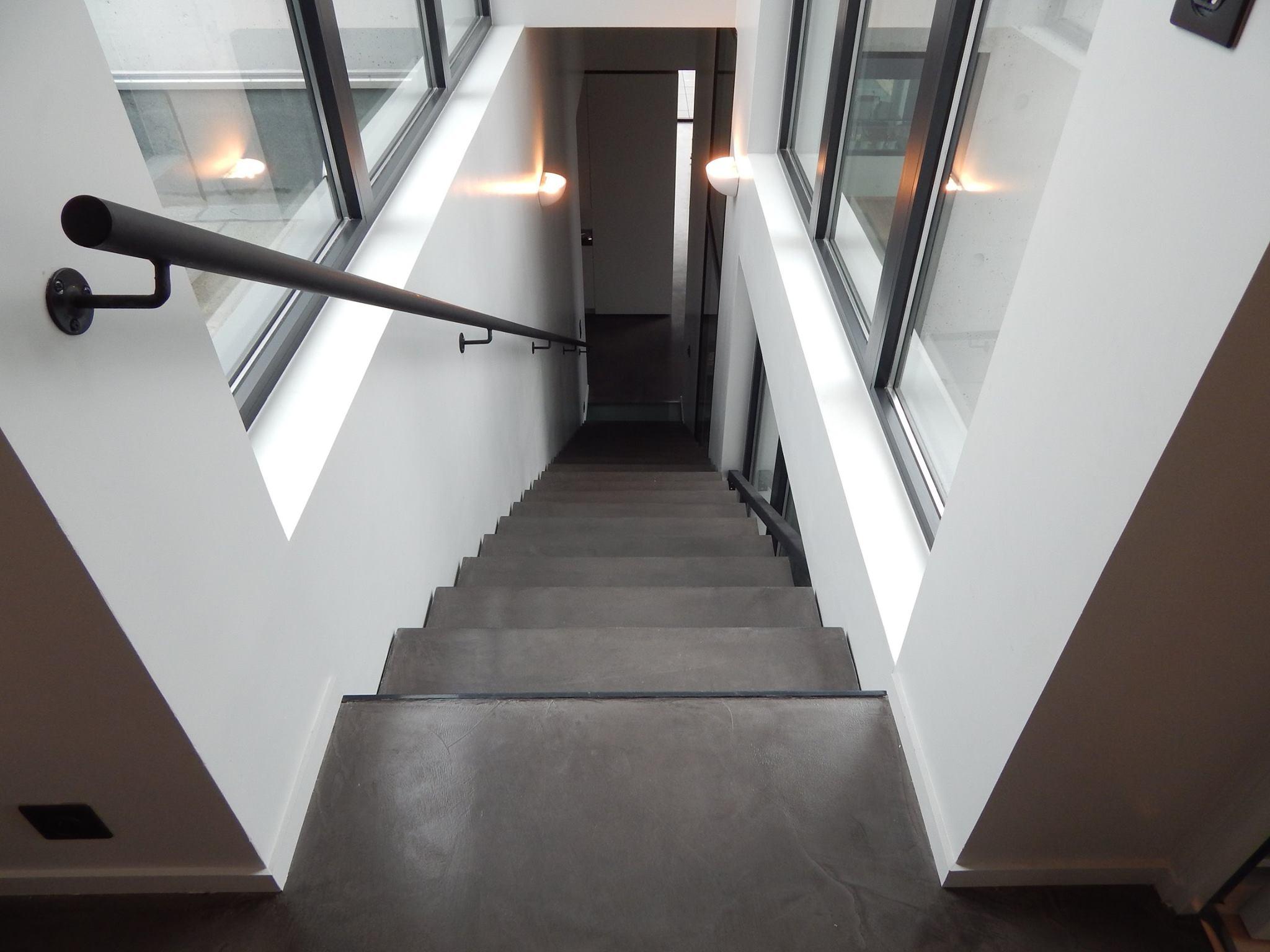 escalier resine revetement pour escalier exterieur interieur resine simple zoom with beton. Black Bedroom Furniture Sets. Home Design Ideas